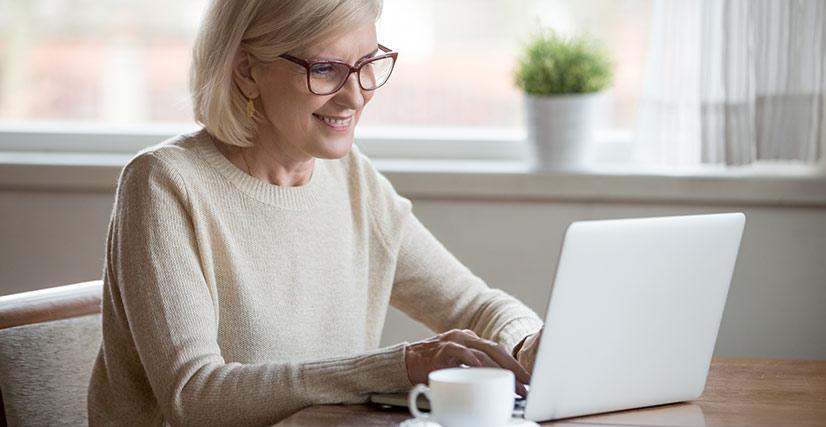 Salt-Manage-Seniors-Online-Senior-Woman-On-Laptop-Computer